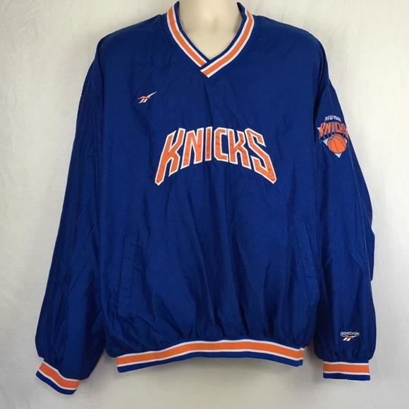 New York Knicks Vintage Reebok NBA Windbreaker. M 5b7b2117bb76158a715d047d 4ec337c1b